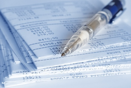 What can bank statements show in a divorce?